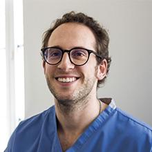 Dr. Nelson Garrido - Reabilitação e Cirurgia Oral